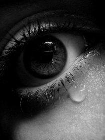 https://gabriellajoy.files.wordpress.com/2010/11/teary-eyes.jpg?w=225